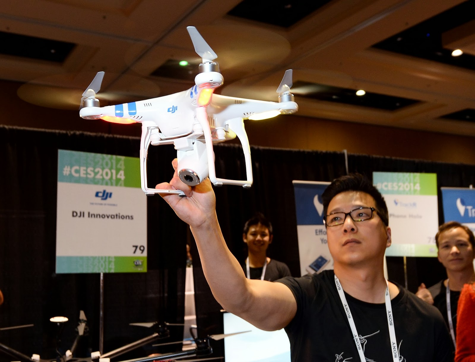 2 Vision, Aerial, Annual, Camera, Consumer, DJI Phantom, Electronics, Exhibition, Feature, Innovation, International CES, Las Vegas, Photo, Product, Smartphone, System, Technology, Trade Show, USD, Video,