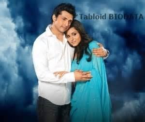 Profil Biodata  Rinddhi Dogra Pemeran Savitri ANTV