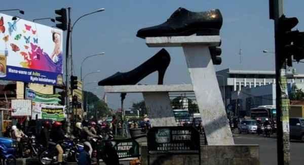Sentra Sepatu Cibaduyut Paket Wisata ke Kawah Putih Ciwidey Bandung Murah