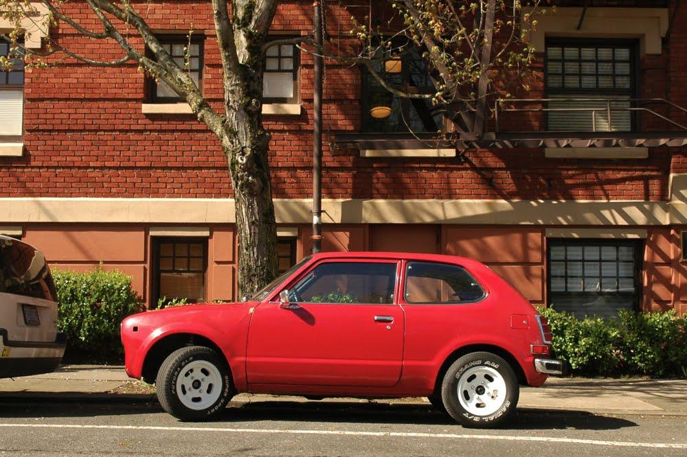 old parked cars 1977 honda civic. Black Bedroom Furniture Sets. Home Design Ideas