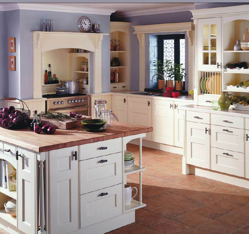 These English country style kitchen sets from County Kitchen ...