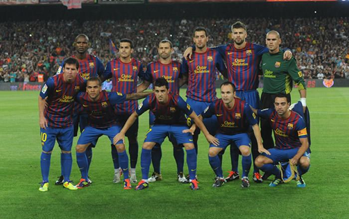 FC BARCELONA TEAM PHOTO 2011   SPANISH SUPER CUP WINNERS