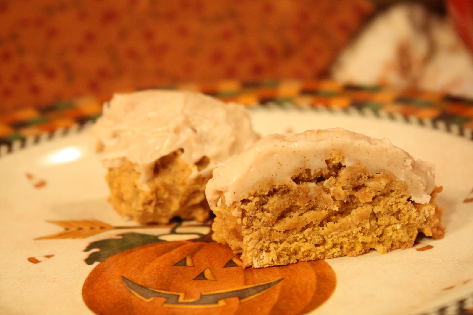 Here it is… my BEST EVER Spiced Pumpkin Oatmeal Cookies with cream ...