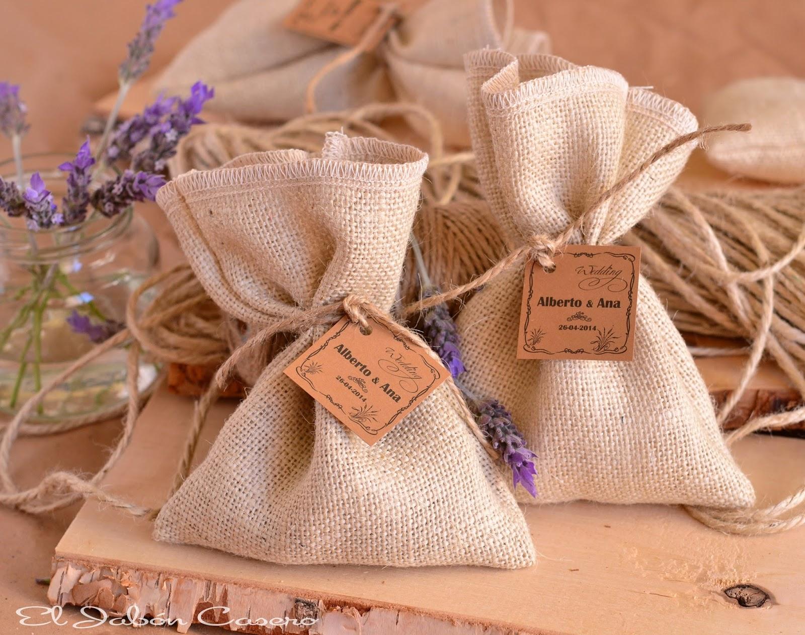 Detalles de boda saquitos aromaticos lavanda