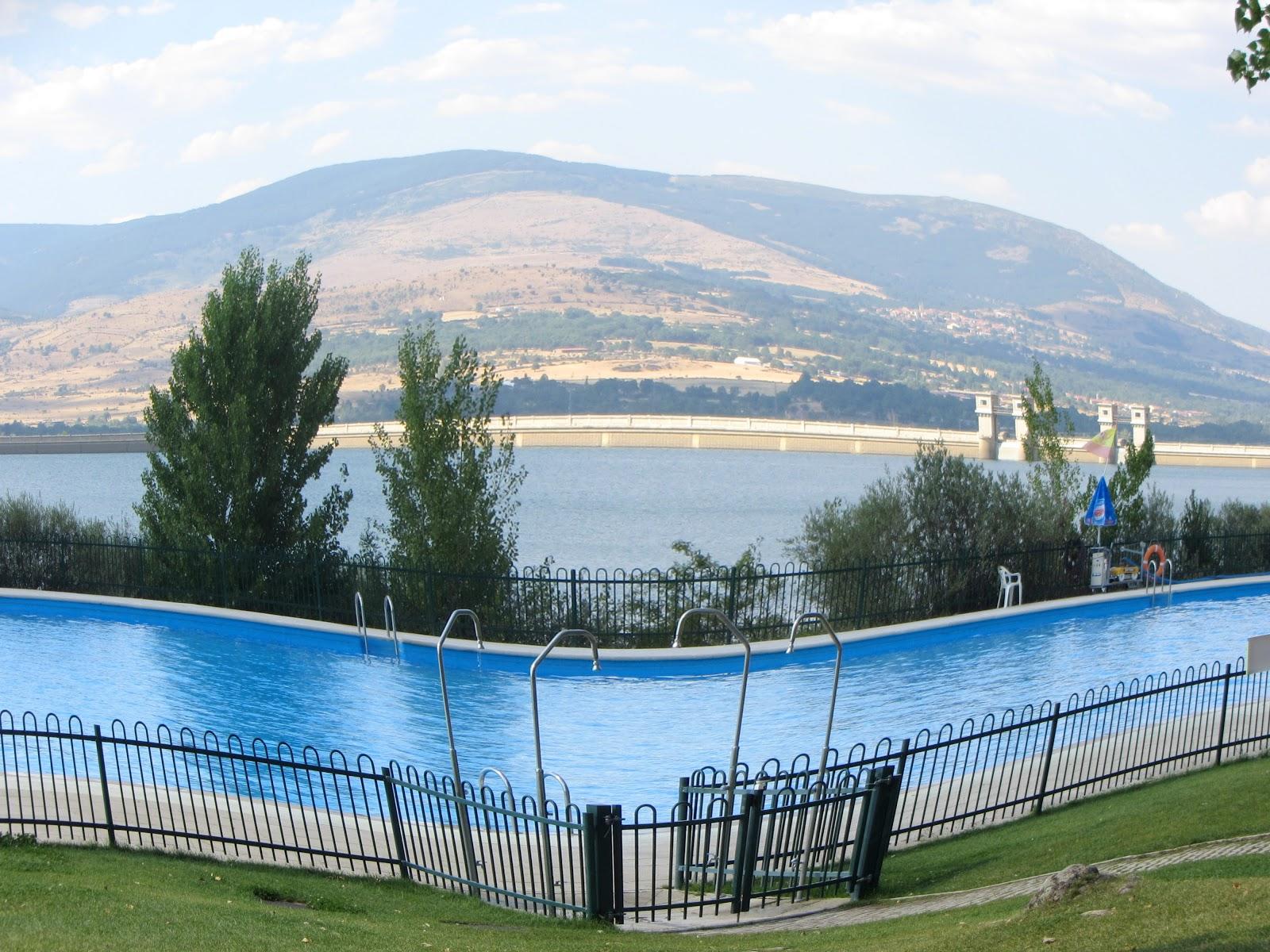 Buitrago de lozoya madrid piscinas naturales for Piscinas naturales buitrago