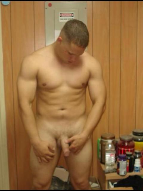 Macho musculado