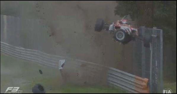 VIDEO - Acidente assustador marcou a segunda corrida da F3