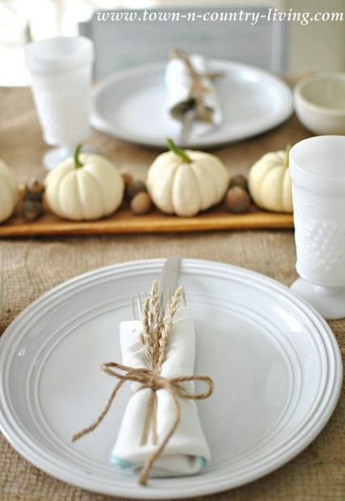 Pretty neutral table decoration