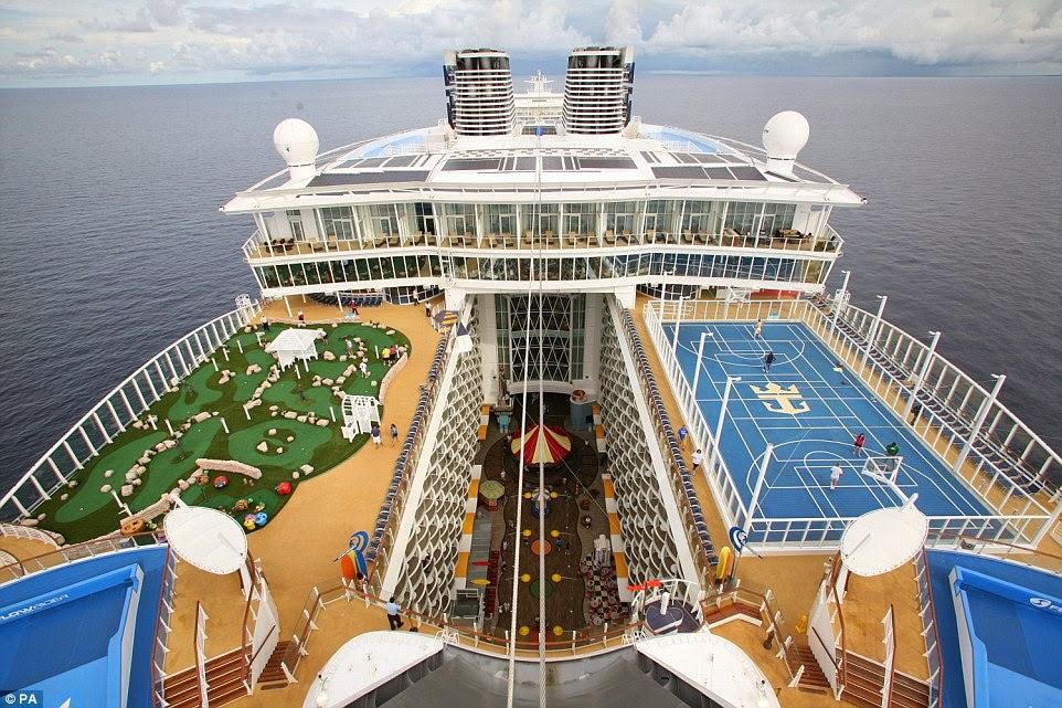 أكبر سفينة سياحية في العالم... الفندق العائم..؟!
