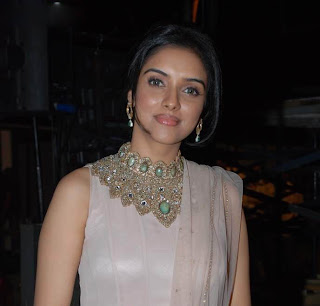 Hot Bollywood Actress Asin latest event Photo Gallery4