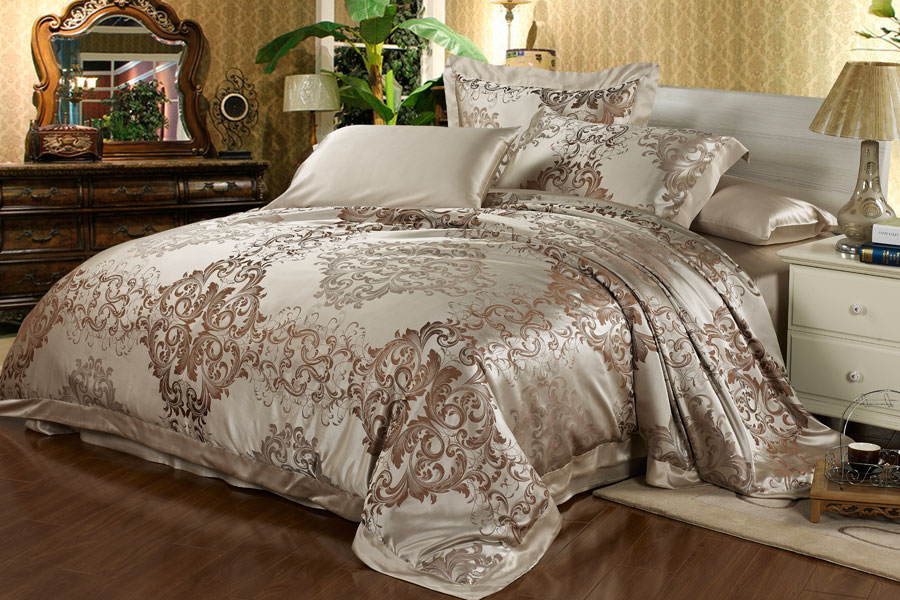 winter luxury22 momme seamless embroidered silk bedding