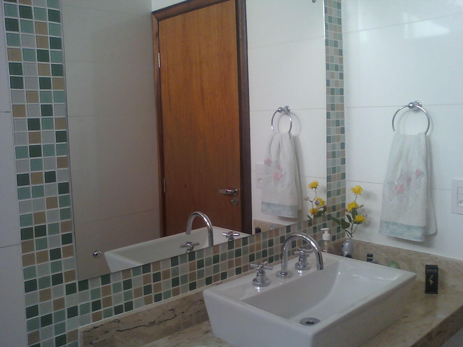 Donna Mariquinha  Pastilhas no Banheiro eu quero! -> Banheiros Com Pastilhas Apenas No Box