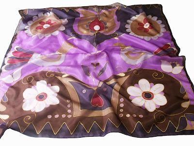 Ajándék nőknek karácsonyra, születésnapra: magyar motívumokkal megfestett női selyem sálak, kendők.