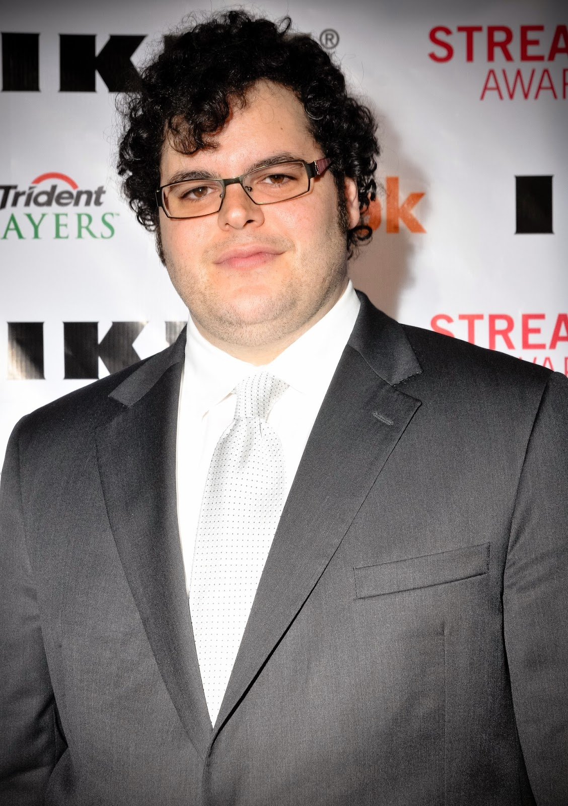 Television Star Josh Gad New Wallpapers