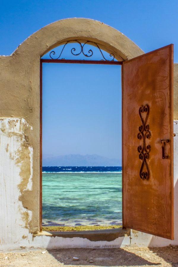 __Puertas con nombre propio__ 87dbcde436a3587a5ae1b7d5e4785132