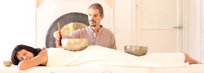 REGÁLATE UNA SESIÓN, sonoterapia,Madrid, cuencos tibetanos, masajes, vibración, terapias alternativas, Guy Gómez, estres, salud, bienestar, crecimiento personal, yoga, meditación, chakras, reequilibrio,