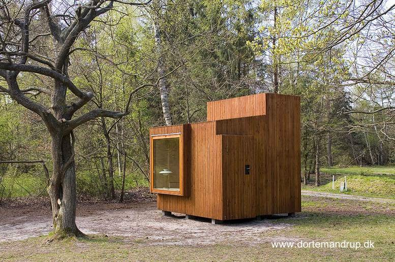 Cabina de madera para instalar en un jardín