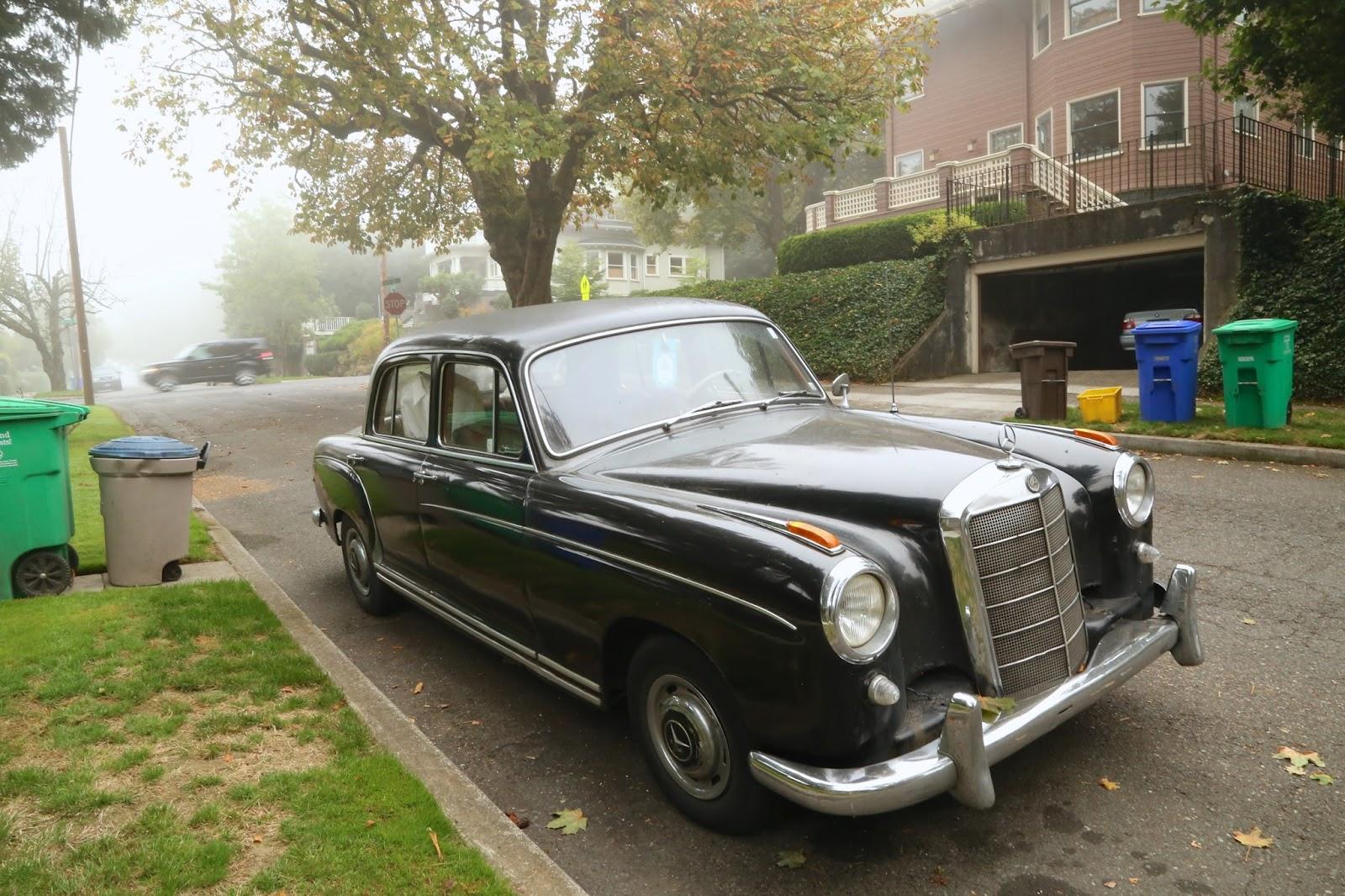 1959 Mercedes Benz 220S sedan