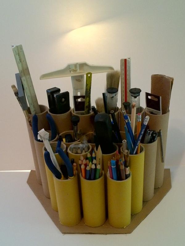 La chica del malet n tubos de pegamento reciclados - Reciclar cosas para el hogar ...