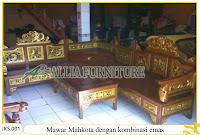 Set Kursi Tamu & Meja Sudut Ukiran Mawar Mahkota dengan paduan emas