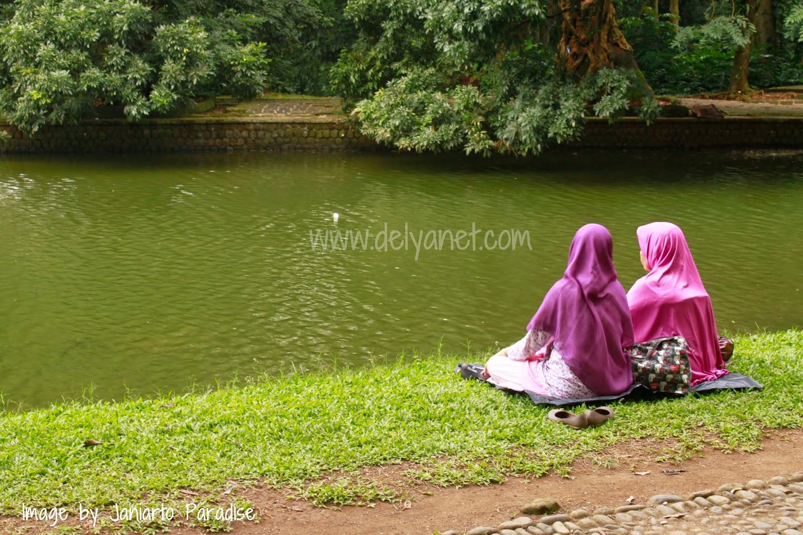 Di pinggir Danau Gunting