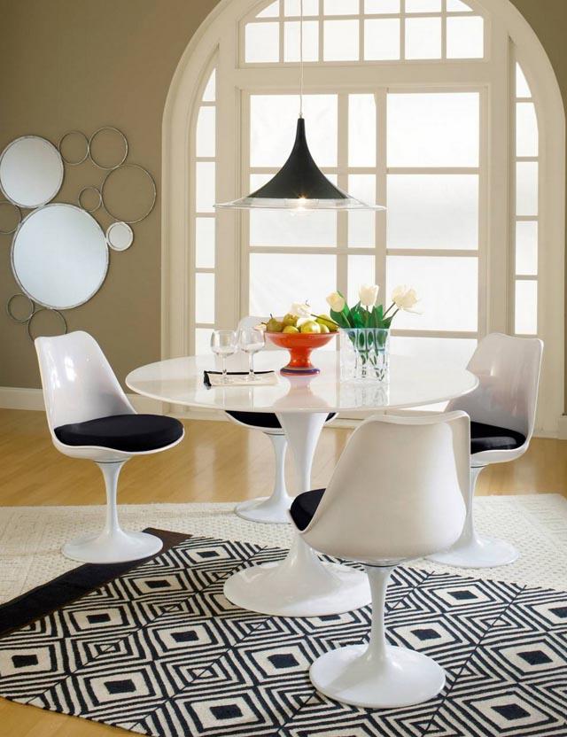 sillas vintage antiguas de los 50s tulip chair y mesa tulip blancas