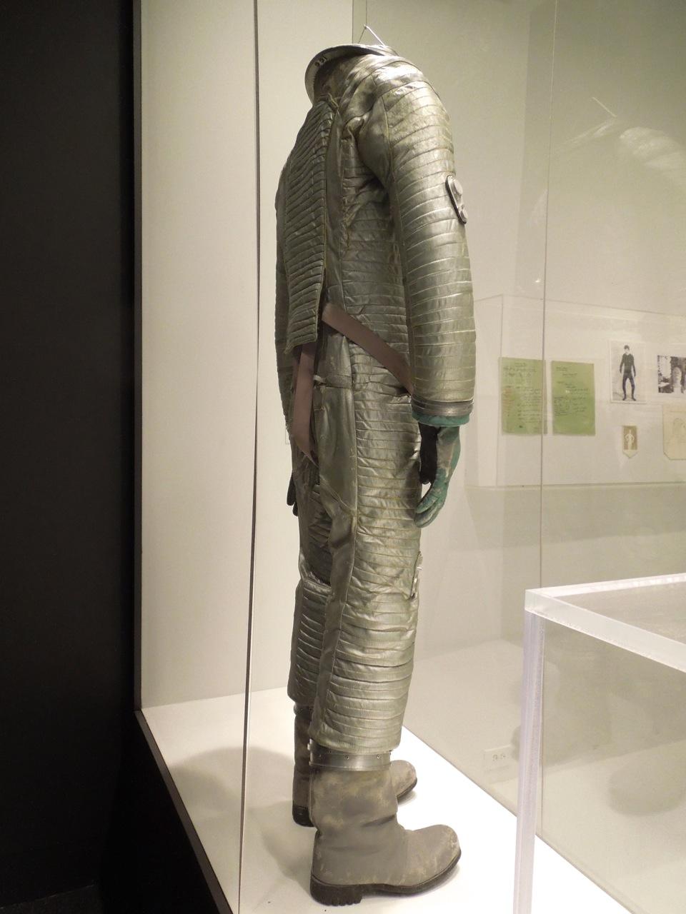 2001 space suit movie - photo #20