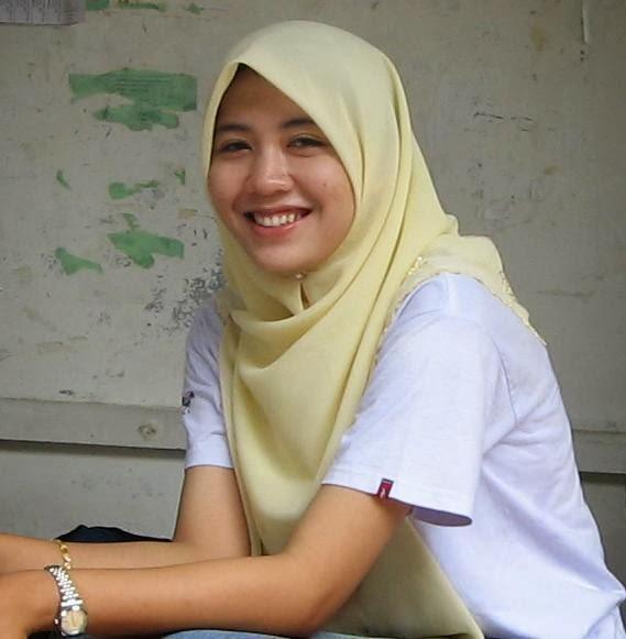 Gambar Wanita Berjilbab | Cewek Cantik Berjilbab | Kerudung Muslimah ...