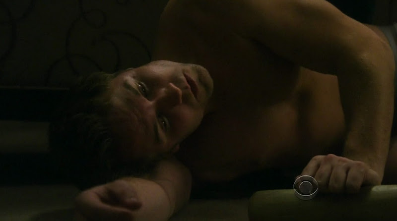Scott Porter Shirtless on The Good Wife s2e14