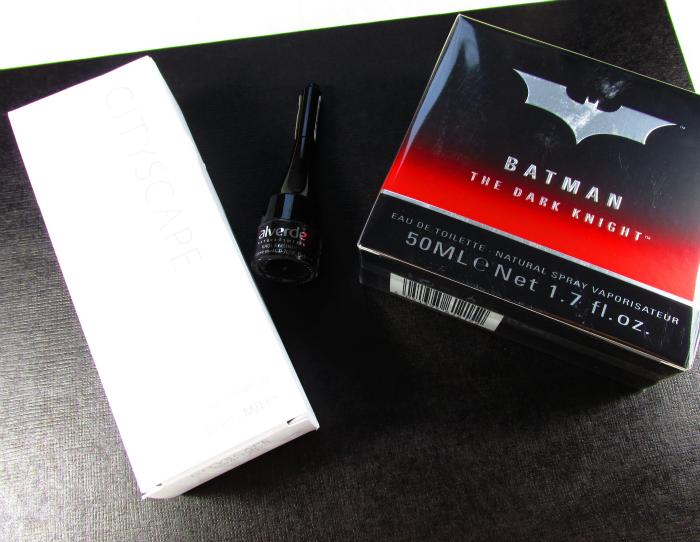 Beautypress News Box November 2015 - Mary Kay Cityscape EdP - alverde Khol Eyeliner - Batman The Dark Knight EdT