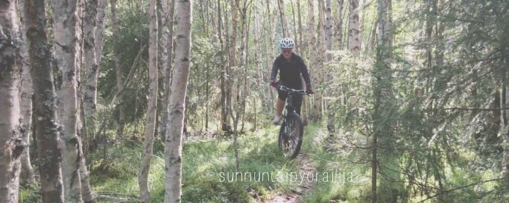 sunnuntaipyöräilijä puolimatkalla