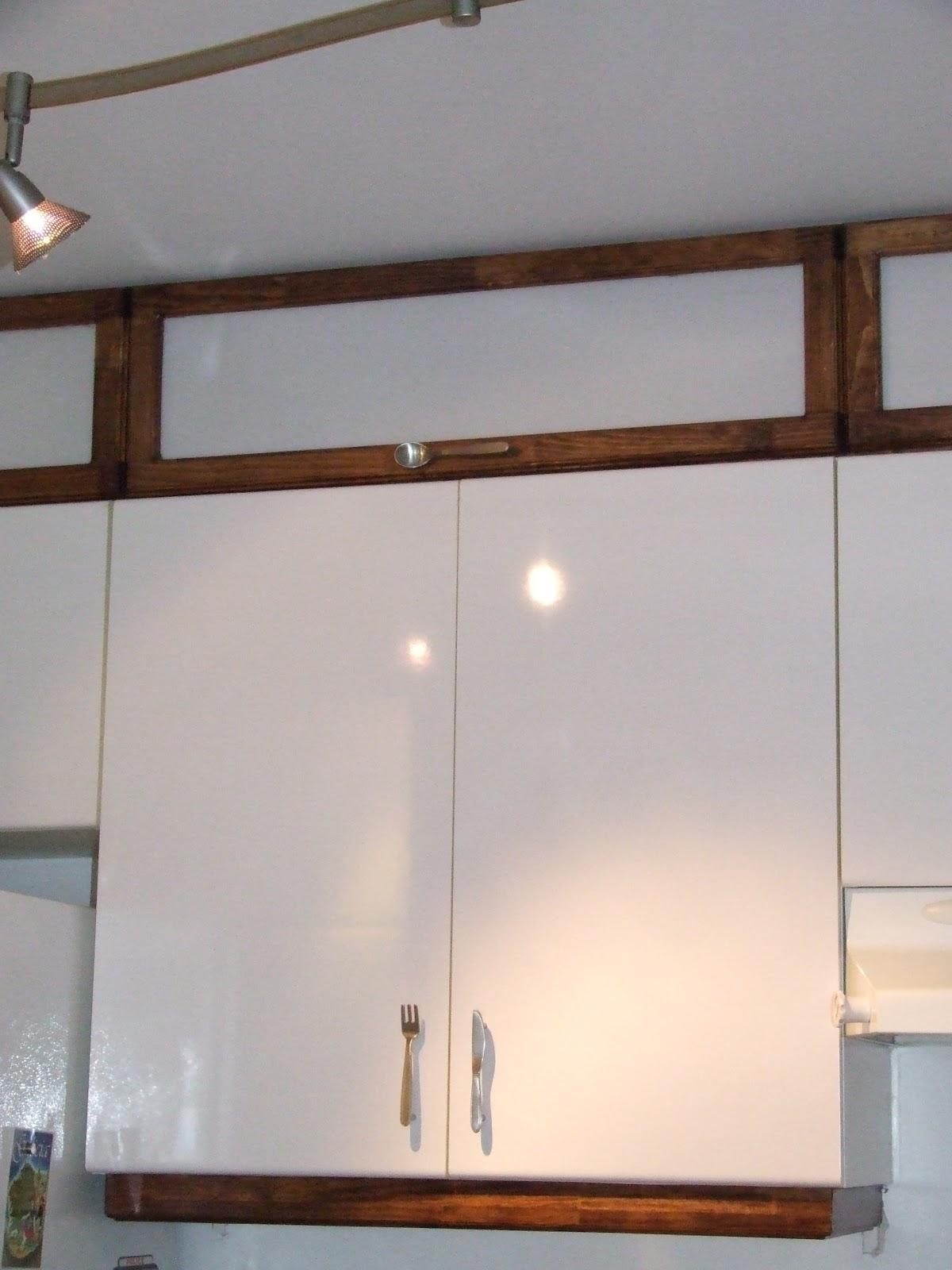 Gilles boisvert comment fermer un dessus d 39 armoires de cuisine - Comment degivrer un congelateur armoire ...