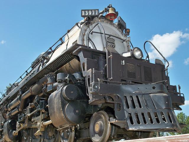 Gambar Kereta Api Union Pacific Challenger 4-6-6-4 3977 02