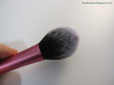 Brocha Real Techniques Blush Brush Colorete Iherb