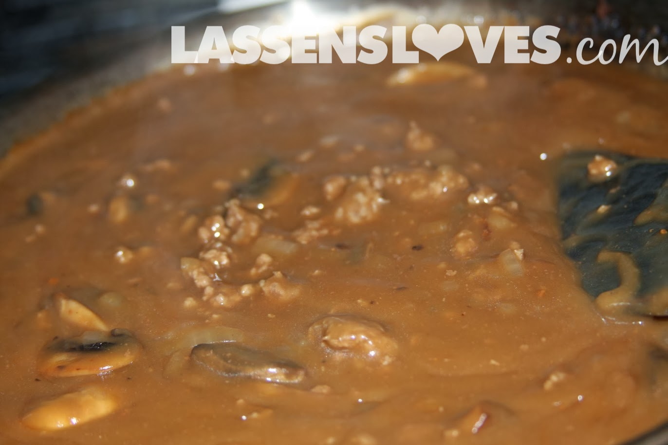 lassensloves.com, Lassen's, Lassens, hamburger+stroganoff, making+gravy