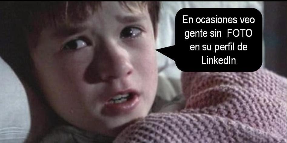 FOTO perfl LinkedIn.http://www.esmeraldadiazaroca.com/p/personal-branding-pack.html