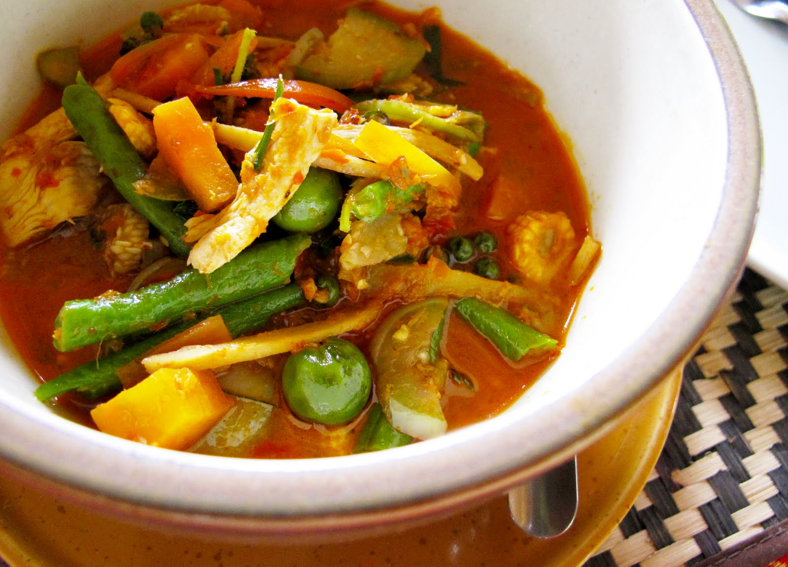 ... cook!: The Ultimate Guide to Thai Curries, and I-dare-you Jungle Curry