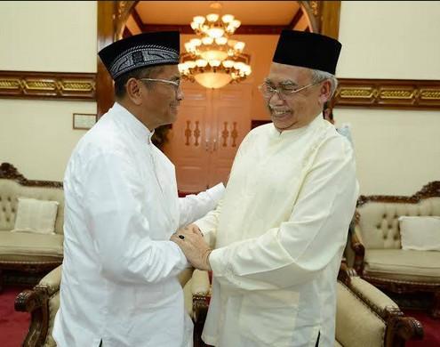 Dahlan Iskan bersama Gubernur Aceh Zaini Abdullah