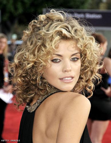 annalynne curls