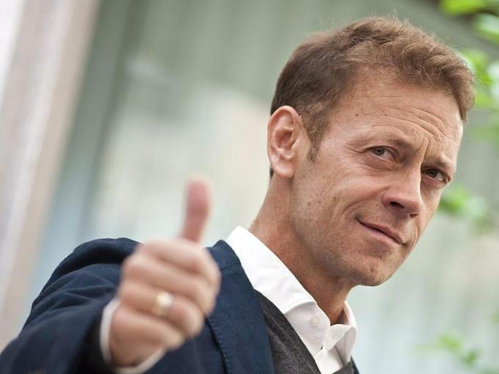 Adult moviestar, Rocco Siffredi offers to teach sex in