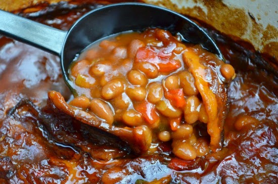 http://threemanycooks.com/recipes/salads-and-sides/moms-famous-southern-style-baked-beans/