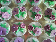 FONDANT CUPCAKES