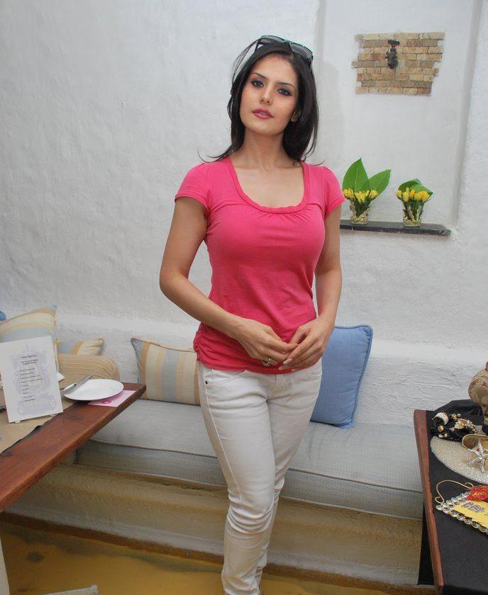 hot images of zarine khan. Zarine Khan Sexy Wallpapers,