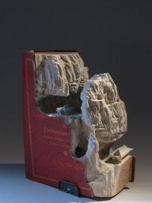 فن النحت على الكتب-منتهى