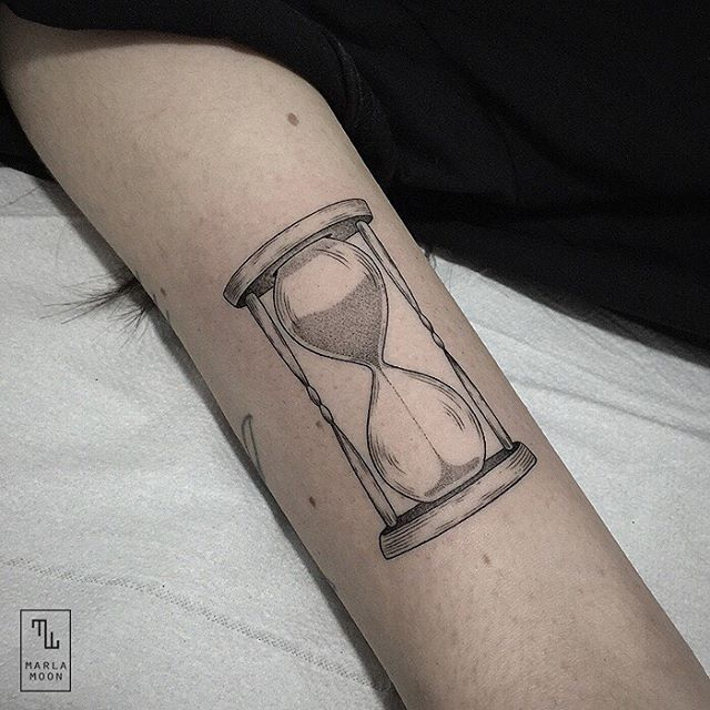 14-Hourglass-Marla-Moon-Geometric-Shapes-with-Tattoo-Drawings-www-designstack-co