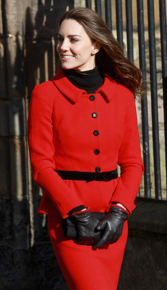 My Celebrity: Kate Middleton in Leather Gloves 3 (Video)