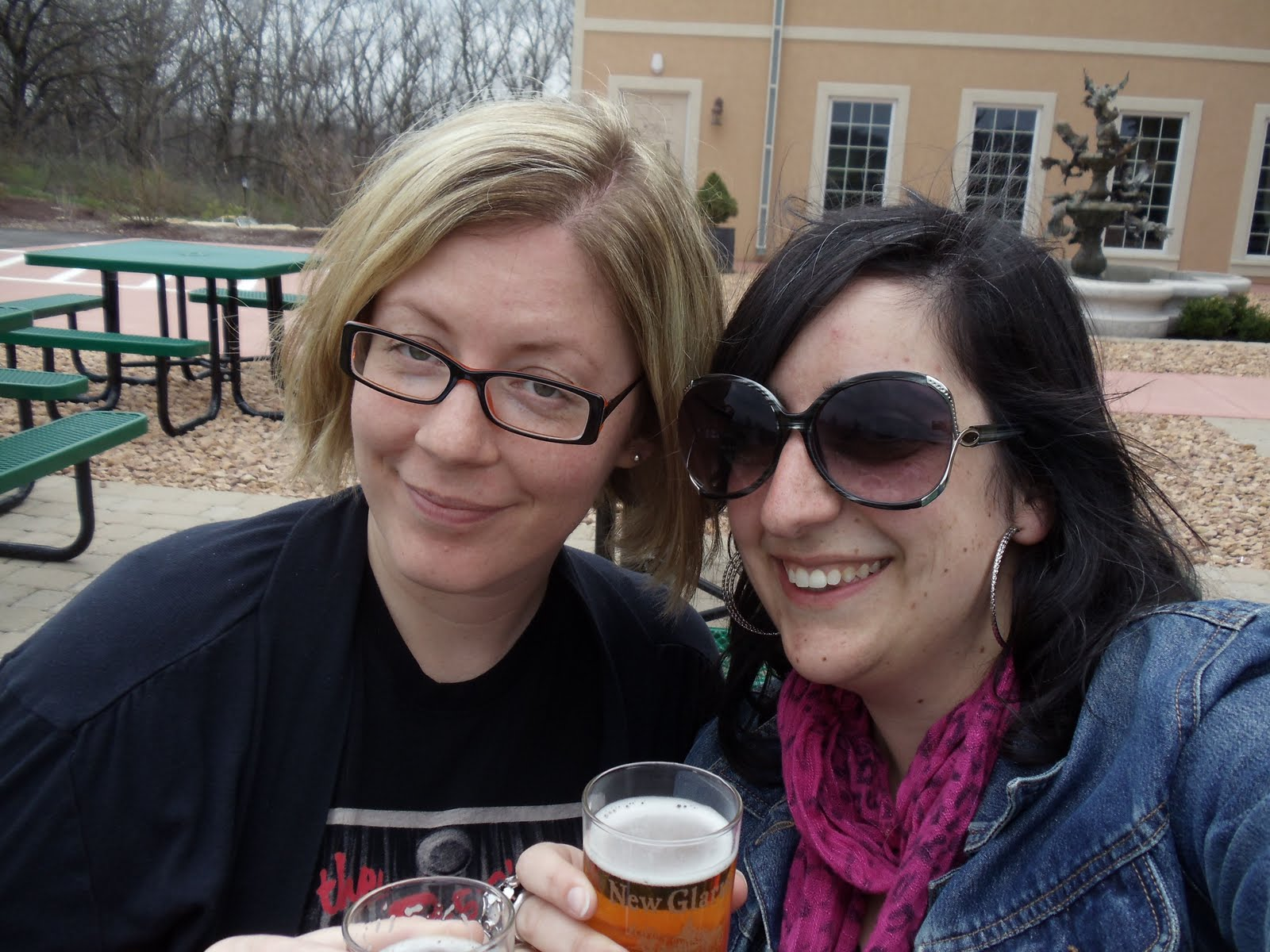 glarus women Bay, eau claire, new glarus hops and local wi beer perfect for beer don't try to keep up special blends women's support your local brewery long sleeve t-shirt.