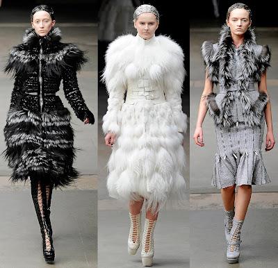 Girl Howling Fashion