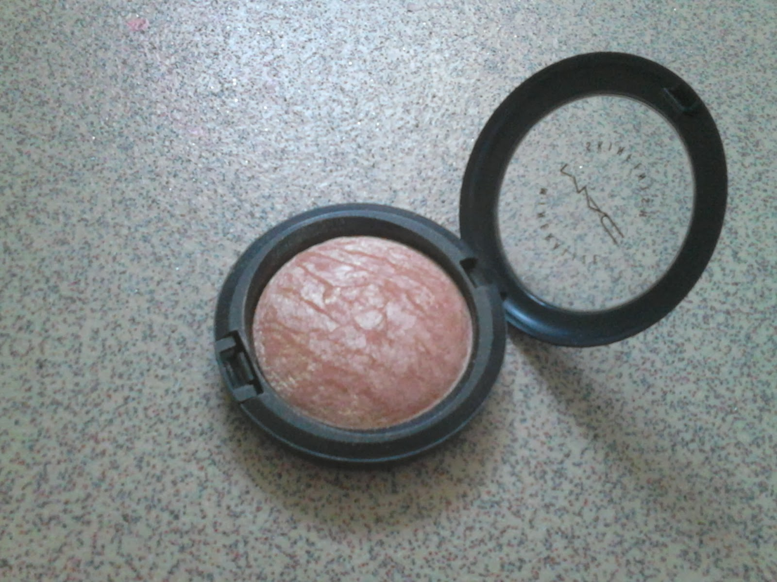 MAC Skinfinish Soft and Gentle