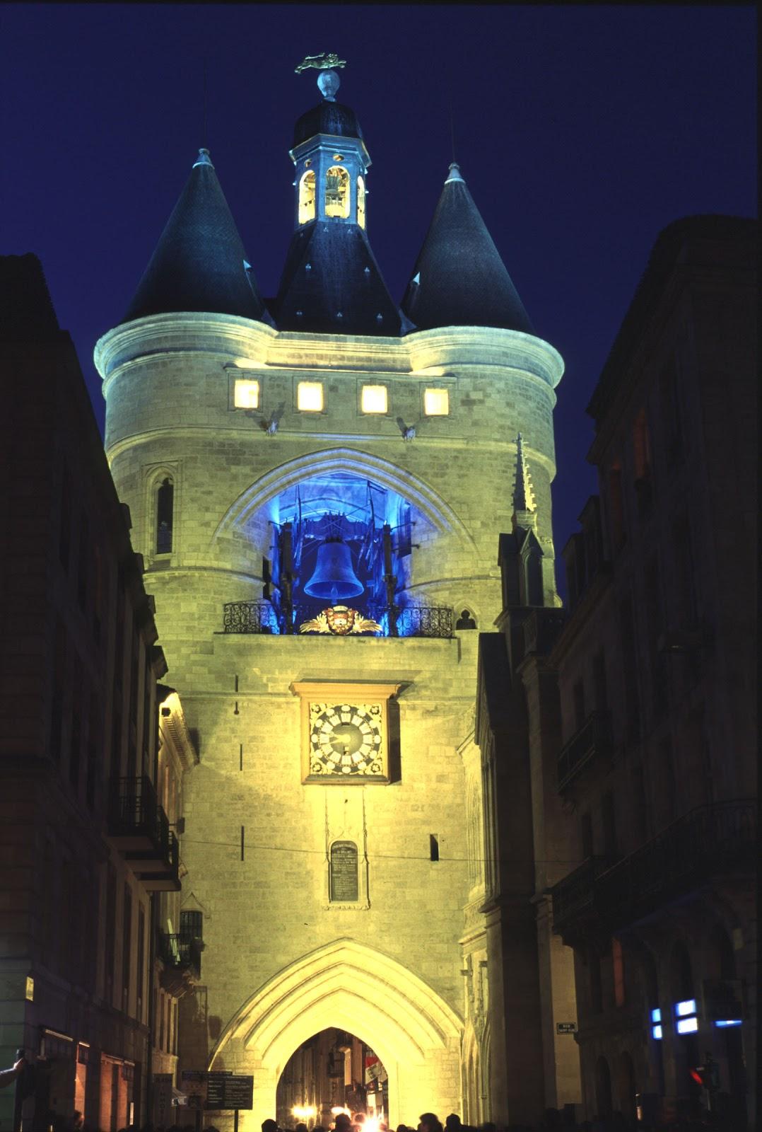 Bordeaux sites monuments grosse cloche big bell la for Appartement bordeaux grosse cloche